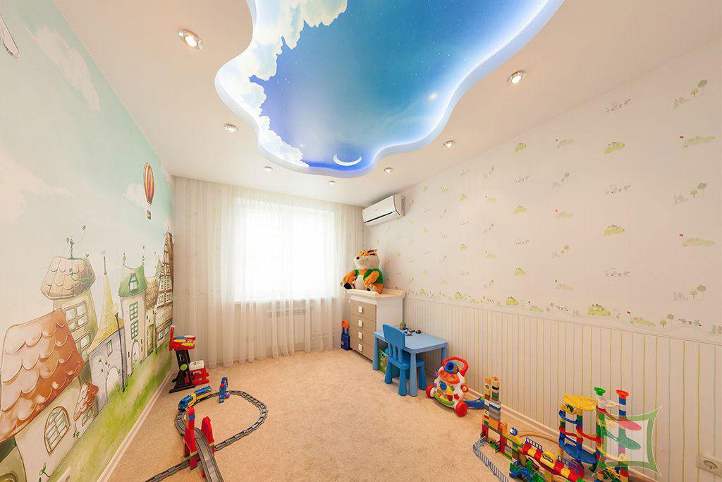 Многоуровневый криволинейный потолок со встроенным освещением