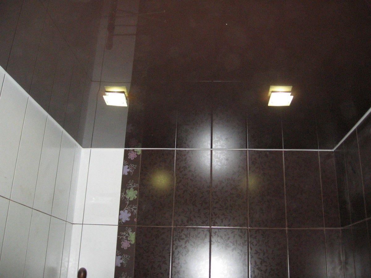 Коричневый потолок площадью 6кв.м, подсветка мощностью 15 ВТ