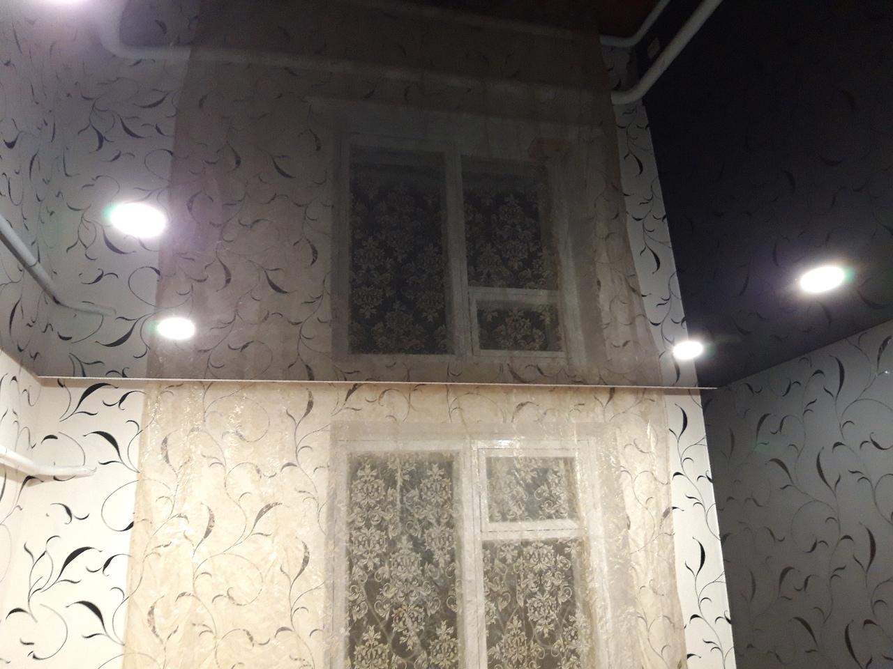 Потолок со светильниками мощностью 15 Вт, площадь комнаты 12 кв.м